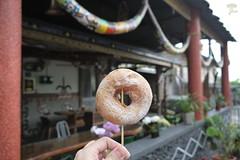 自創甜甜圈棒棒糖  (小米甜甜圈是我吃過最好吃的甜甜圈了!) (Jia ♔ 冰雪不聰明) Tags: 台灣 臺灣 食物 美食 點心 甜點 甜甜圈 taiwan food dessert snack sweet doughnut donut gf2 panasonic