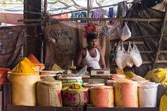 Spice stall in Flower Market (Stephen T Slater) Tags: flowermarket india kolkata market sack scales spice westbengal in