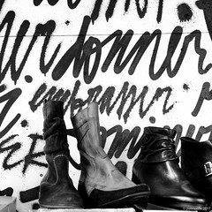 chaussures et graphes (Patrice Dx) Tags: streetart chaussure denismeyers lettres