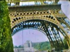 Film Reisen Paris03 Eiffelturm (rerednaw_at) Tags: schmalfilmnormalacht vergangenheit reisen paris eiffelturm