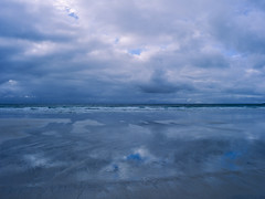 Infinity (JaZ99wro) Tags: 645 e100g e6 f0324 mamiya645protl norway norwegia opticfilm120 tetenal3bathkit analog beach clouds exif4film film reflection water