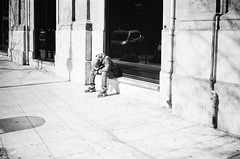 just a short nap... (gato-gato-gato) Tags: 35mm contax contaxt2 iso400 it ilford italy ls600 noritsu noritsuls600 palermo strasse street streetphotographer streetphotography streettogs t2 analog analogphotography believeinfilm film filmisnotdead filmphotography flickr gatogatogato gatogatogatoch homedeveloped pointandshoot streetphoto streetpic tobiasgaulkech wwwgatogatogatoch sicilia italien black white schwarz weiss bw blanco negro monochrom monochrome blanc noir strase onthestreets mensch person human pedestrian fussgänger fusgänger passant autofocus italia sicily europe travel adventure travelling eu
