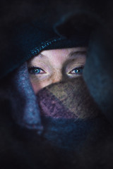 Deep Blue (SØ JORD) Tags: girl girlfriend freundin frau woman portrait aufnahme gesicht face facial eyes augen winter winterly deep blau blue tief schal die verlieben special one nikon d7100 35mm love cat katzenaugen