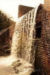 Newstead  Abbey (crown green 1) Tags: newstead abbey byron gardens waterfall