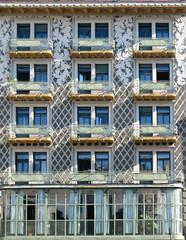 Finestre a Trieste ©2010 (1.11 - Giovanni Contarelli) Tags: windows canon palazzo trieste finestre ixus55