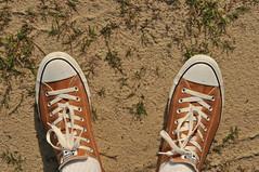 chucks (Slumdog Thousandaire) Tags: orange usa sc socks america nikon shoes thesouth chucks laces chucktaylors d300 sooc summerton