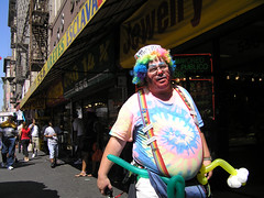 Downtown LA balloon seller (Gordon Haws) Tags: california la losangeles rainbow clown broadway 100 downtownla balloonseller laballoonseller braodwayla laclownballoonman 100clown