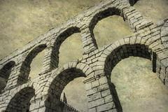 Acueducto de Segovia I (osolev) Tags: espaa roma history textura monochrome monocromo spain ps segovia acueducto espagne historia textured hispania castillayleon photomatix imperioromano cs5 texturizada osolev