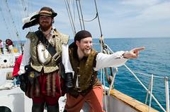 """""""Cousin Martin! LOOK!"""" (Pahz) Tags: chicago pirates windy lakemichigan greatlakes navypier tallship bristolrenaissancefaire chicagoillinois joshballard tallshipwindy bristolpirates anselburch"""