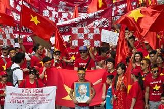 香港越南裔移民儿童节举行反华示威