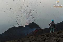 Cono di scorie a valle della frattura - Etna 2014 (Marco Restivo) Tags: walk etna bombe 2014 spattering cono nordest colata eruzione frattura scorie stromboliana etnawalk