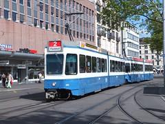 Zurich 2083 2027 Bellevue (Guy Arab UF) Tags: two schweiz switzerland 2000 suisse zurich tram streetcar trams section bellevue articulated strassenbahn vbz coupled 2027 2083 be48