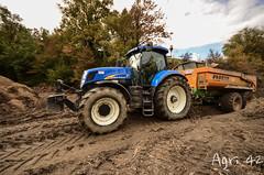 Transport de terre (agri42) Tags: new holland cat caterpillar tp barrage ktp pelle 820 benne fendt 2250 panien joskin curage t7050