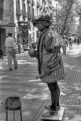 057-Barcelona-La Rambla (marek&anna) Tags: spain barcelona lasramblas mime monochrome