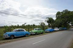 Lined up (gruen.tee) Tags: cuba kuba viñales travel cars old oldtimers taxis sony sonyalpha sonyalpha7 caribics caribe caribbean vacation backpacking