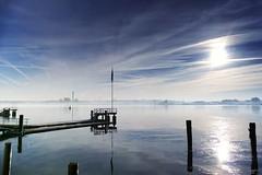 Morgenlicht... (wolfi-rabe) Tags: morgenlicht ostsee wasser eis dunst gegenlicht nebel spiegelung spiegelbild kiel kielerförde