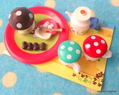 Megahouse Japanese Dollhouse Miniature Toys : Forest Tea Set #1 Mushroom Teacups (HarapekoDoggyBag) Tags: japanesetoys japanese hobby japanesehobby figures miniatures dollhouseminiaturetoys dollhouse dollhouseminiatures puchi puchitoys mini kawaii miniaturefood megahouse megahousetoys megahouseminiature forestteaset mushroom miniatureteacup teapot