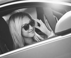 014чб (АндрейНовиков1) Tags: canon eos 5d mark ii ef70200mm f4l usm girl fashion vogue window face smile whiteandblack
