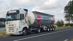 Pauwels Sauzen Danny Suykerbuyk Truck 1 (Pauwels Sauzen) Tags: pauwels sauces sauzen vrachtwagen vrachtvervoer chauffeur