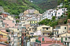 Cinque Terre - Liguria - Italy (Globetreka) Tags: liguria italy cinqueterre flickrone red musictomyeyes yellow green blue checkoutmynewpics worldtrekker heartearth white flickrawardgroup mindunleashed theworldinflickr catchycolors truecolor dreamcatchers