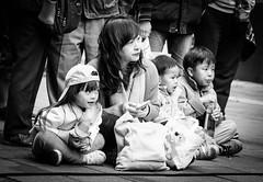 DSCF0682 (靴子) Tags: 人 兒童 街拍 街頭 黑白 單色 kids fuji xt2 bw bnw streetphoto