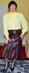 Birgit023850 (Birgit Bach) Tags: pleatedskirt faltenrock bowblouse schleifenbluse suit kostüm leather leder