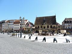 Place de l'Hôtel de Ville à Molsheim (OT Molsheim-Mutzig) Tags: molsheim place centreville city alsace