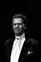 Andre Rieu (Del Robertson) Tags: portrait uber talented andre rieu when he was performing sse hydro glasgow 240317