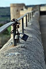 Dalle antiche mura - From the ancient walls (Jambo Jambo) Tags: lucchetti padlocks mura walls magliano maglianointoscana grosseto maremma maremmacountryside maremmatoscana toscana tuscany italia jambojambo nikond5000