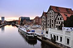 Bydgoszcz (Michu_I) Tags: poland polska bydgoszcz city miasto architecture architektura d90 dawn oldtown staremiasto river riverfront rzeka brda brdariver