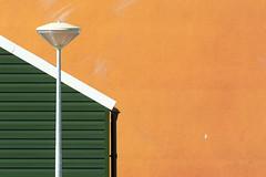 Street lamp, house and wall (Jan van der Wolf) Tags: map169147v house huis wall facade straatlantaarn streetlamp streetlight muur composition compositie binckhorst denhaag green groen dak