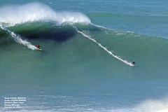 JUSTINE DUPONT and ROSS CLARK-JONES / 1432HKE (Rafael González de Riancho (Lunada) / Rafa Rianch) Tags: surf waves surfing olas sport deportes sea mer mar nazaré vagues ondas portugal playa beach 海の沿岸をサーフィンスポーツ 自然 海 ポルトガル heʻe nalu palena moana haʻuki kai olahraga laut pantai alam