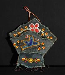 Iroquois Beaded Wall Pocket Vintage (Teyacapan) Tags: vintage antique indian nativeamerican beadwork wallpocket newyork canada iroquois bird