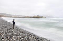 Playa en invierno, Miraflores, Lima, Per (cnoriega) Tags: mar nikon playa nubes invierno nublado piedras