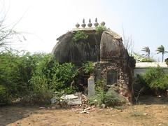 Ruins of a Hindu Temple, Tranquebar (mukulfaiz) Tags: tamilnadu hindutemple bayofbengal tranquebar tharangambadi danishcolonies