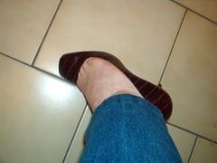 IM006483 (grandmacaon) Tags: buffalo pumps highheels hautstalons lowcutshoes toescleavage