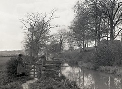 H00518 By the river c.1890 (East Sussex Libraries Historical Photos) Tags