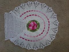 M - Tapete Jg banheiro Tampo (Artices da Zappa - Artesanatos feitos com Amor.) Tags: branco flor rosa tapete jogo vaso banheiro fita tampo passa
