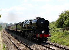 34046 Braunton (Liam Salt) Tags: railway oxfordshire trainspotting steamtrain braunton charlbury 34046