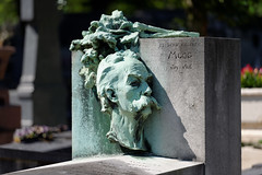 Frdric Charles Moog (Chris@Issy) Tags: voyage travel vacation portrait sculpture paris france cemetery grave graveyard statue bronze tomb lachaise vacance tombe pre cimetire tombeau chrisissy atempsperdu