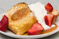 Strawberry Rhubarb French Toast (Tom Noe) Tags: breakfast lunch cafe frenchtoast brunch organic bluedoor sustainable cuyahogafalls michaelbruno bluedoorcafe jimmypintiello