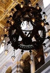 Pisa, Piazza dei Miracoli, Cattedrale Santa Maria Assunta, Kronleuchter in der  Vierung (Cathedral, lantern at the crossing) (HEN-Magonza) Tags: italien italy italia cathedral kathedrale pisa tuscany lantern toscana toskana piazzadeimiracoli leuchter cattedralesantamariaassunta