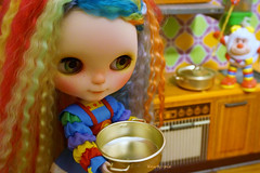 Let's cook up a storm for our new friends little Sprite (Kewty-pie) Tags: kitchen vintage tin rainbow doll sprite mini pot figure blythe custom rainbowbrite freddycreations