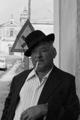 Uomo del Sud (Leandro.C) Tags: persone uomo leandro calabria cappello sigaretta anziano personaggio ceruti