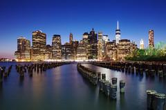 New York Night Lights (ph4nn1) Tags: park new york city nyc bridge usa brooklyn night skyscraper lights manhattan architektur amerika reflexion reflektion blauestunde hochhuser