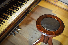 Piano (www.obstinato.com.ar) Tags: old bench keys touch piano desire steinway banqueta incitation