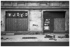 W J D E O (Spartaxus) Tags: street bw analog kodak tmax olympus 35rc chorzów batory