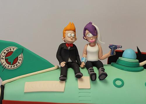 Futurama Fry Leela figurines cake