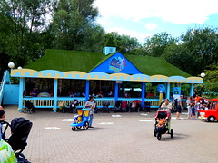 In The Night Garden Magical Boat Ride (ThemeParkMedia) Tags: family night garden boat ride towers bbc merlin land childrens shows rides magical alton attraction attractions the cbeebies in entertainments