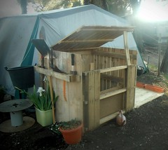 Pallets composter (irecyclart) Tags: pallets compostbin